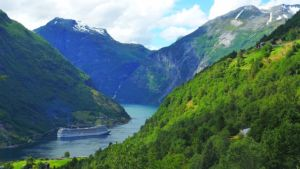 The wonderful and preserved nature is one of the reasons to move to Norway