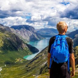 Student moving from the USA to Norway