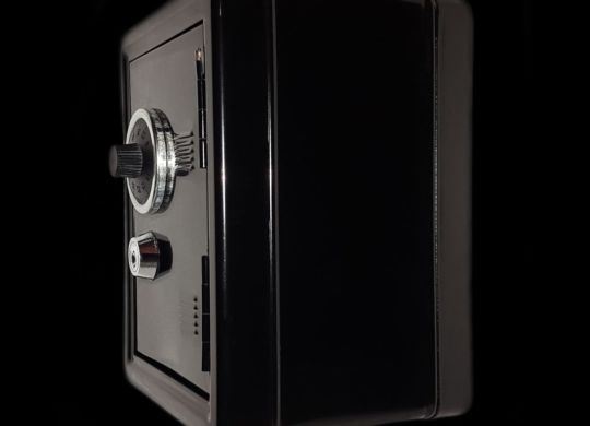 How to move a gun safe, just as the black one in this picture?