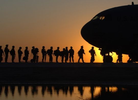 Soldiers boarding the plane know how to choose good military movers