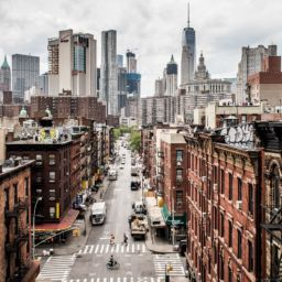 busy city is a reason for moving out of New York for the summer