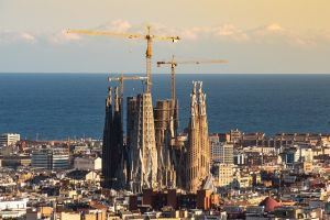 Sagrada Familia in Barcelona, one of the cities where Californians feel at home.